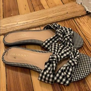 Adorable gingham bow sandals